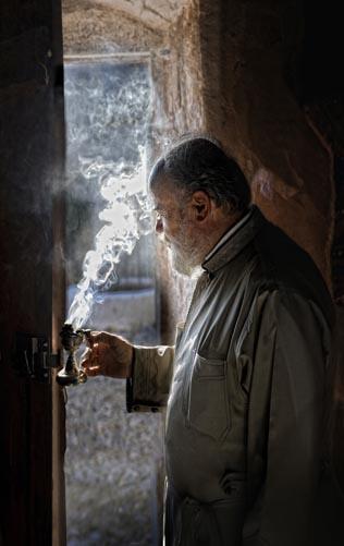 Αντώνης Καμπαναράκης, Γκουβερνιώτισσα, θυμίαμα, Μεγάλη Παρασκευή, μοναστήρια Κρήτης