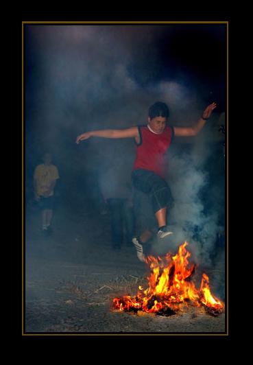 Λαογραφία Κρήτης Ανθρωπολογία, Εθνολογία, έθιμα, φωτιές Άι Γιάννη, Λαμπαδιάρης, έθιμα Κρήτης,